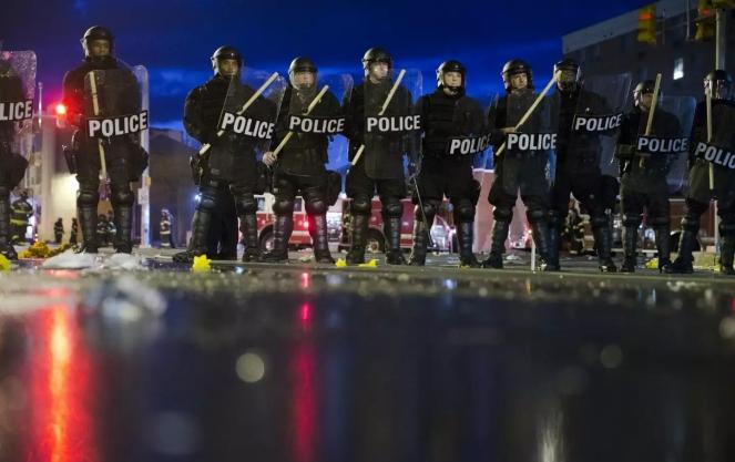 baltimore_police_ap_img_0
